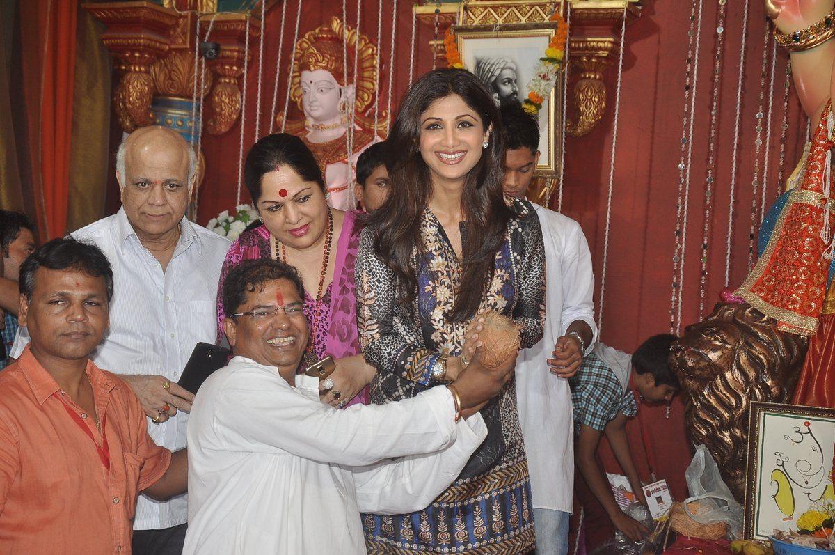 shilpa shetty ganpati (2)