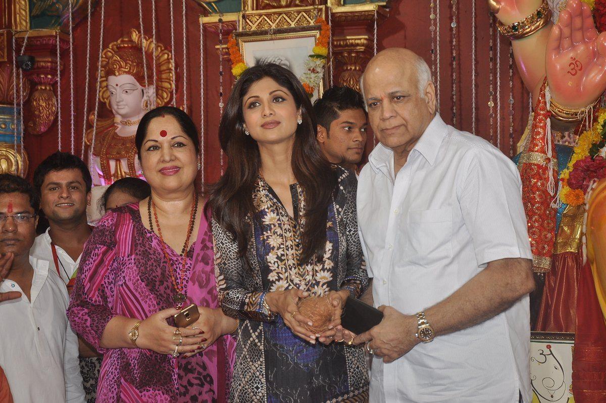 shilpa shetty ganpati (3)