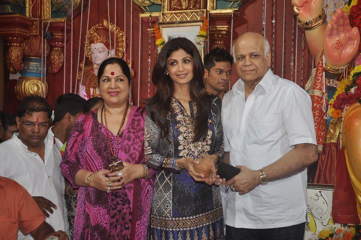 shilpa shetty ganpati (4)
