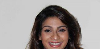 Tanishaa Mukerji attends college fest