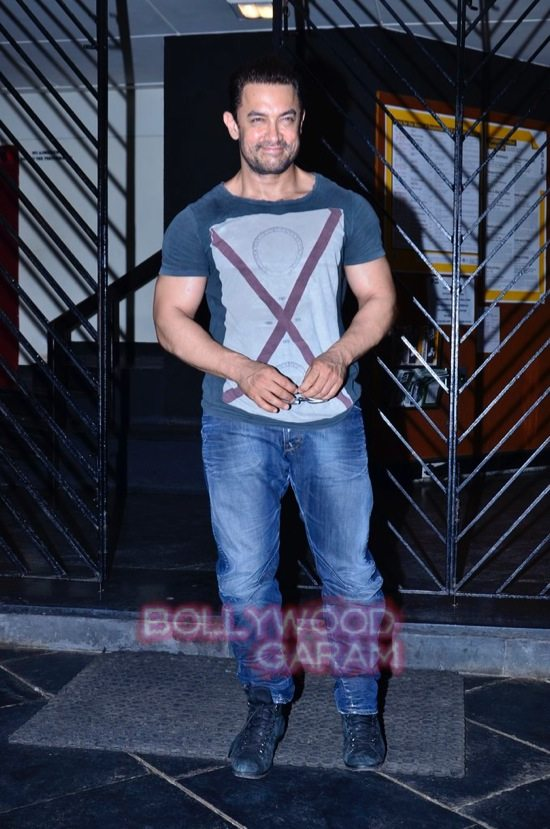 Aamir at prithvi theatre-2