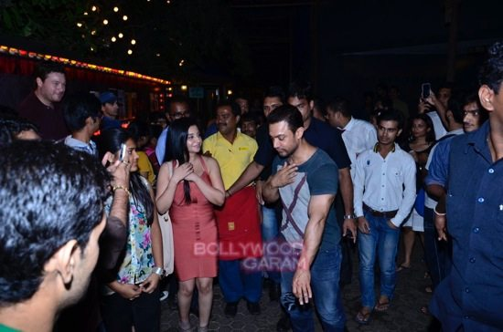Aamir at prithvi theatre-4