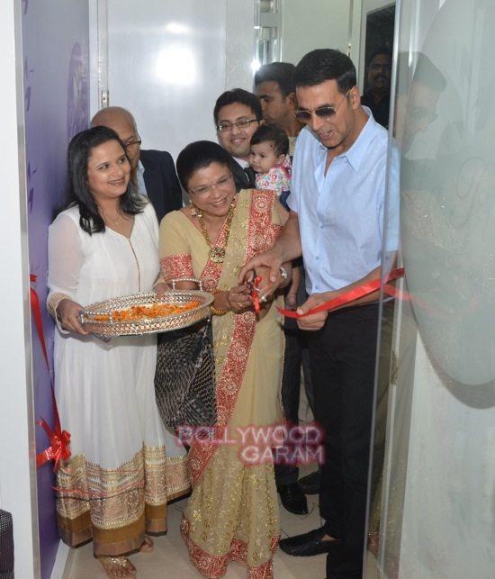 Akshay Kumar Dr Trasi La Piel clinic launch-0