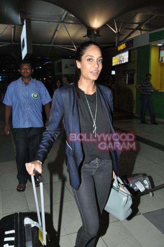 Anu kapoor_lisa haydon_Amitabh bachchan_mumbai airport-6