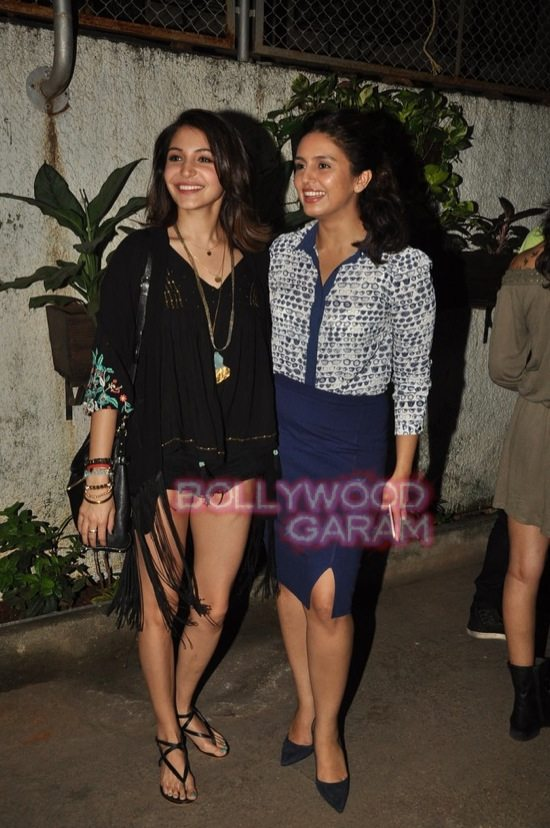Anushka sharma and Huma qureshi_gone girl screening-3