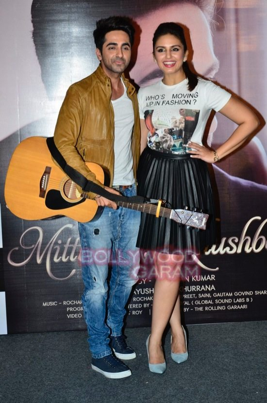 Ayushmann_Mitti Di Khushboo_ single-8