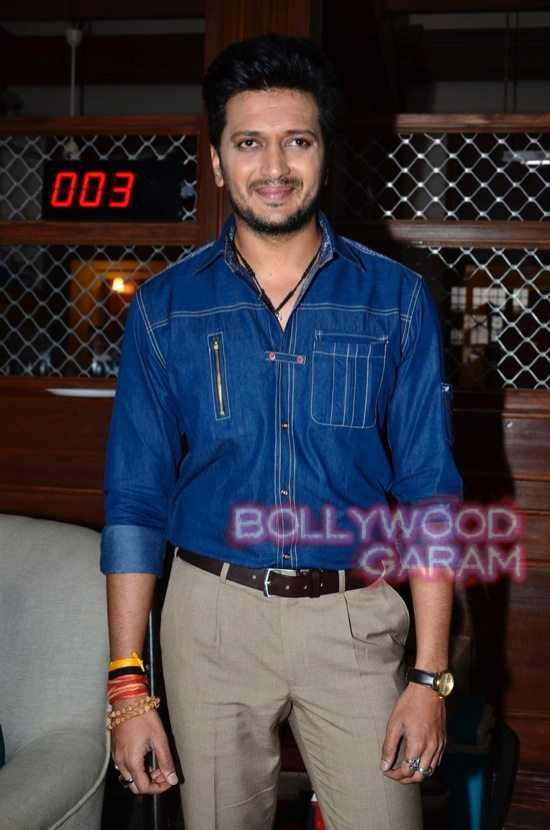 Bank Chor Riteish and Vivek Oberoi-7