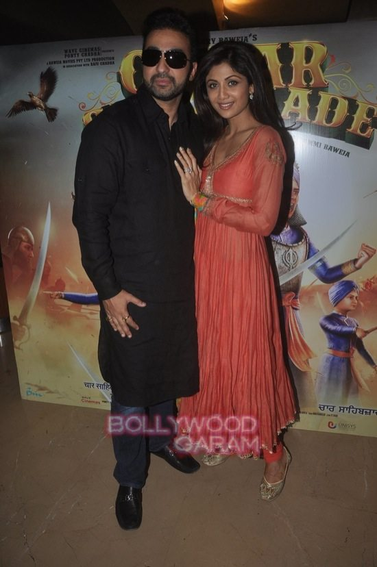 Bipasha and Harman_Chaar Sahibzaade-6