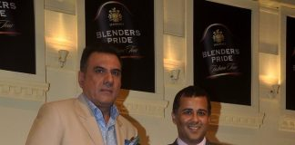 Boman Irani and Chetan Bhagat at Blenders Pride Fashion tour