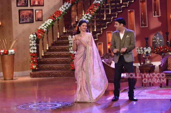 Comedy Nights with kapil Happy New Year