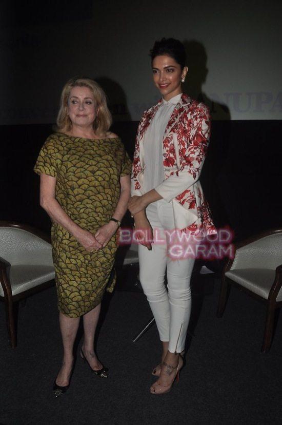 Deepika padukone_varun dhawan_film festival mumbai-0