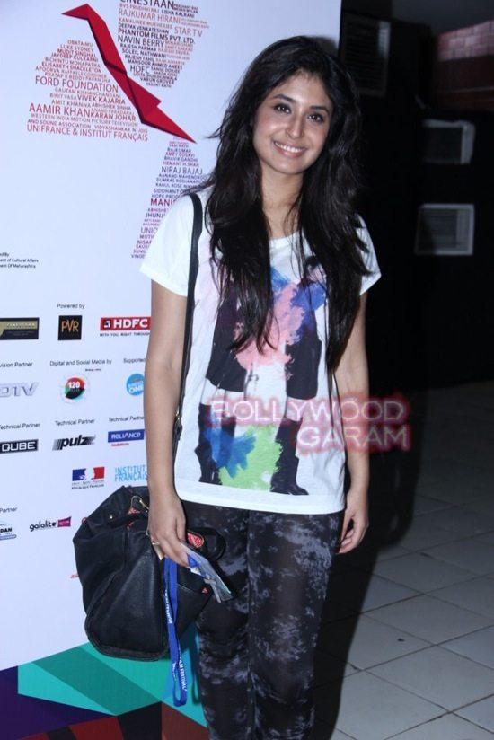 Deepika padukone_varun dhawan_film festival mumbai-18