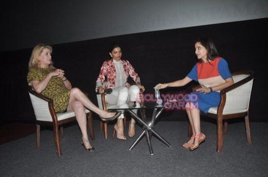 Deepika padukone_varun dhawan_film festival mumbai-6