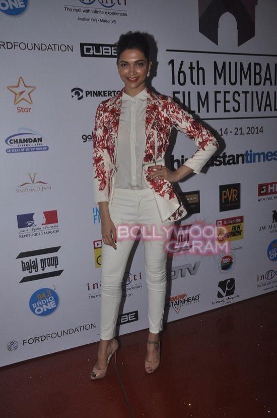 Deepika padukone_varun dhawan_film festival mumbai-7
