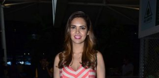 Esha Gupta seen at Mumbai Airport