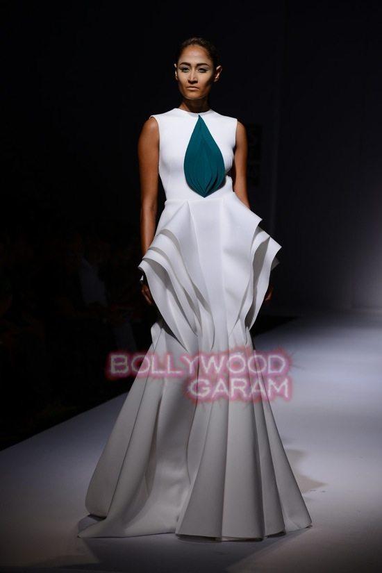 Gauri_Nainika Wills lifestyle Fashion Week 2015-12
