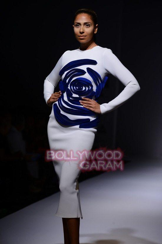 Gauri_Nainika Wills lifestyle Fashion Week 2015-13