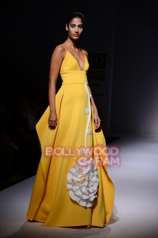 Gauri and Nainika Wills lifestyle Fashion Week 2015-14