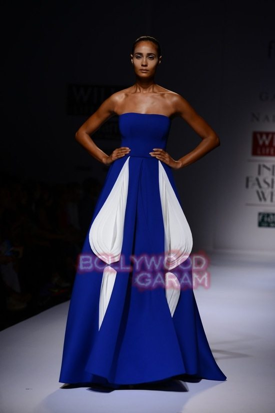Gauri_Nainika Wills lifestyle Fashion Week 2015-17