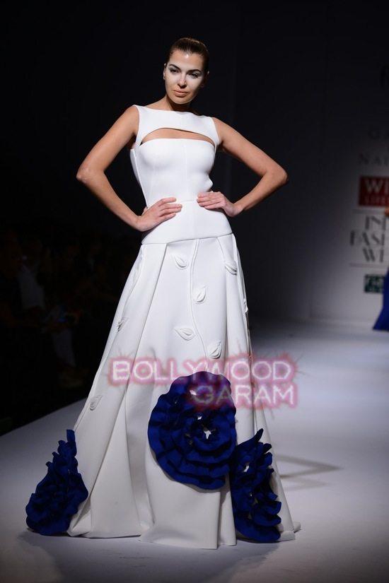 Gauri_Nainika Wills lifestyle Fashion Week 2015-18