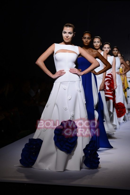 Gauri_Nainika Wills lifestyle Fashion Week 2015-19