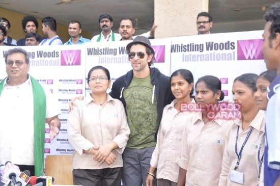Hrithik Roshan Whistling woods clean india-10