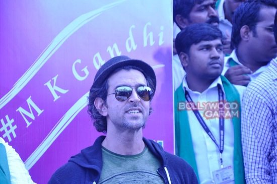 Hrithik Roshan Whistling woods clean india-11