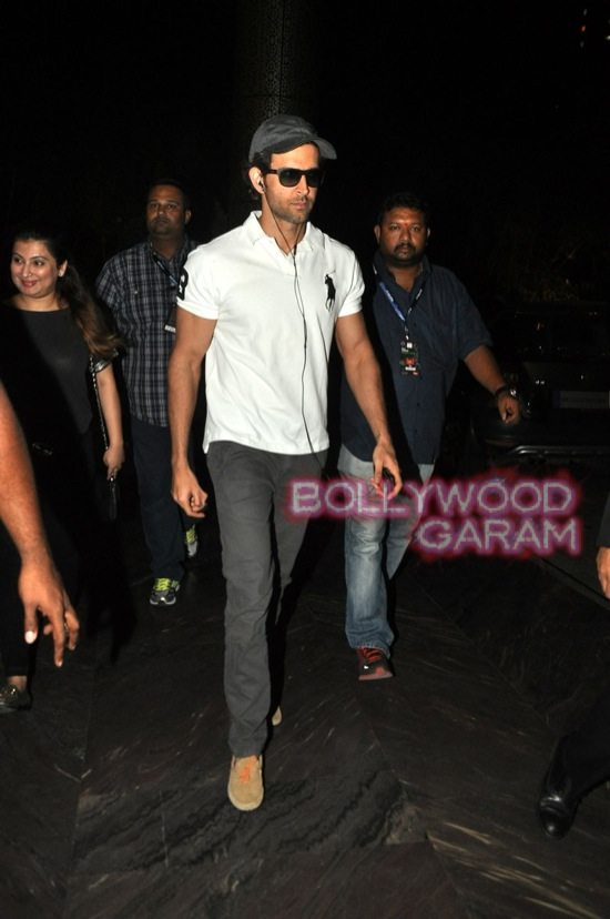 Hrithik Roshan photographed at hotel-2