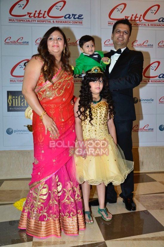 Hrithik_Anil Kapoor_Esha gupta_criticare hospital launch-0