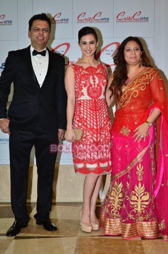 Hrithik_Anil Kapoor_Esha gupta_criticare hospital launch-21