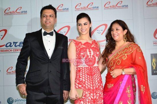 Hrithik_Anil Kapoor_Esha gupta_criticare hospital launch-22