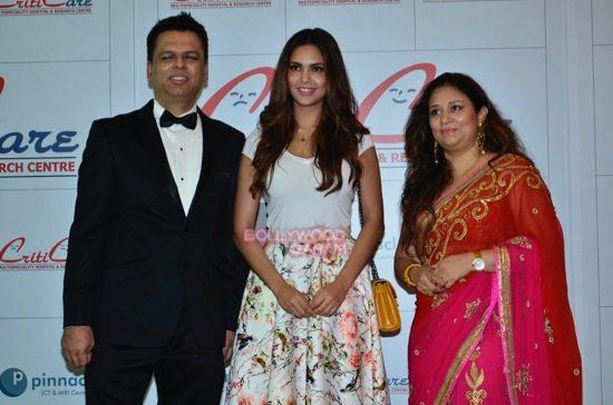 Hrithik_Anil Kapoor_Esha gupta_criticare hospital launch-25