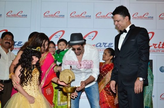 Hrithik_Anil Kapoor_Esha gupta_criticare hospital launch-5