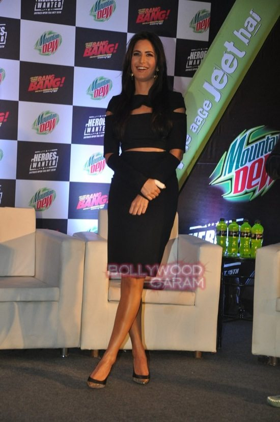 Hritik and Katrina at bang bang mountain dew event-13