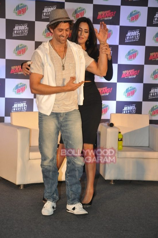 Hritik and Katrina at bang bang mountain dew event-15
