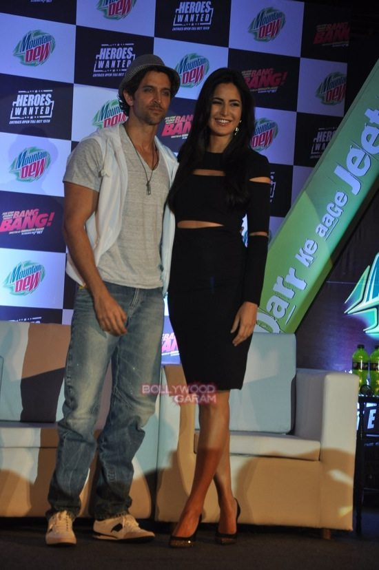 Hritik and Katrina at bang bang mountain dew event-2