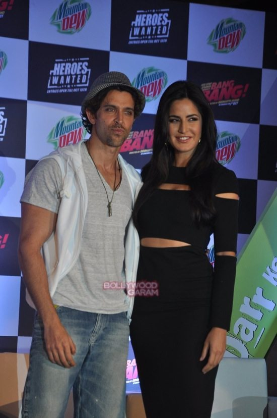Hritik and Katrina at bang bang mountain dew event-3