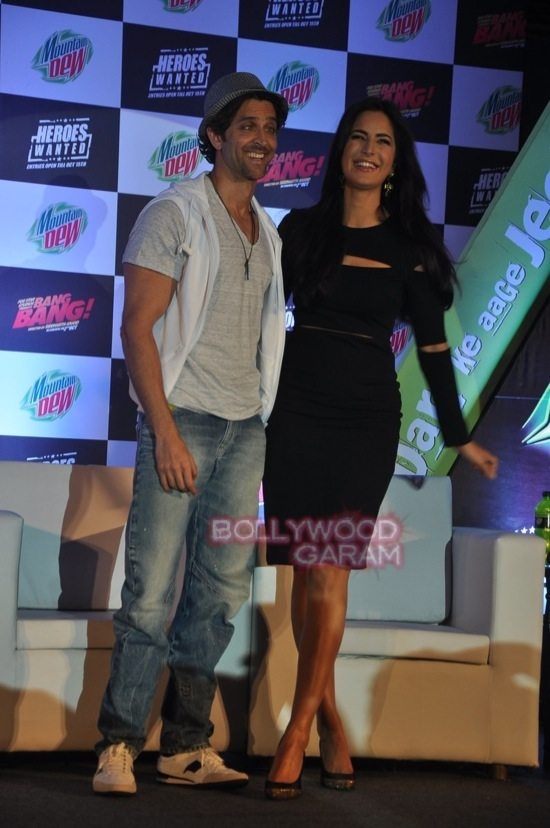 Hritik and Katrina at bang bang mountain dew event-4