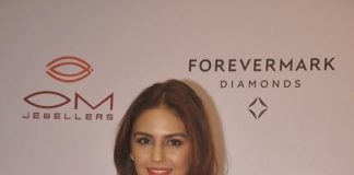 Huma Qureshi unveils new collection at Om Jewellers store