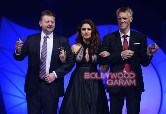 Huma Qureshi Oriflame brand ambassador-5