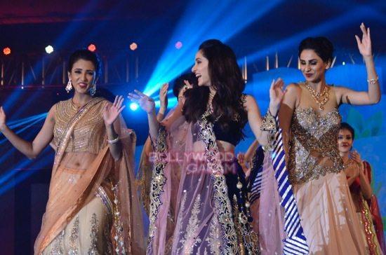 IBJA awards fashion show sushmita sen-27