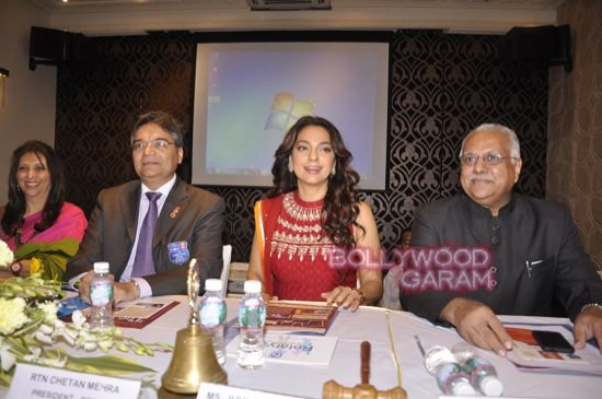 Juhi Chawla gets Vocational Excellence award-3