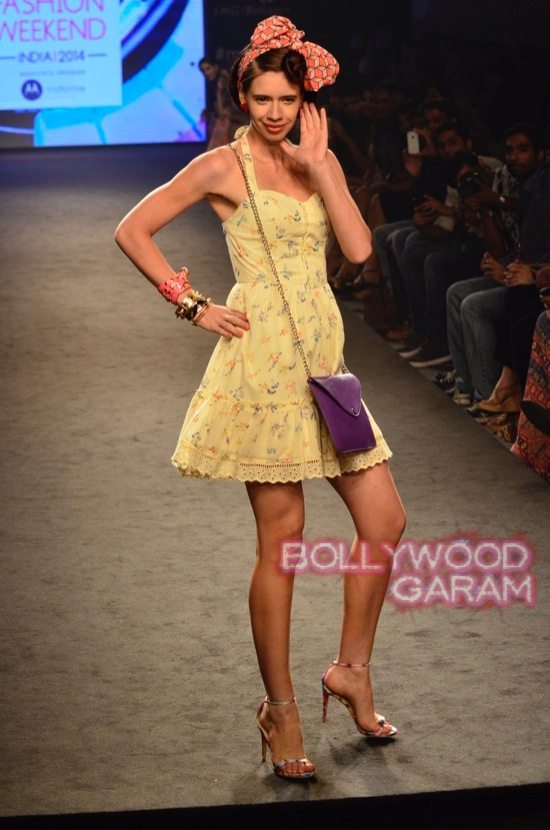 Kalki and Cyrus Broacha walk the ramp -11