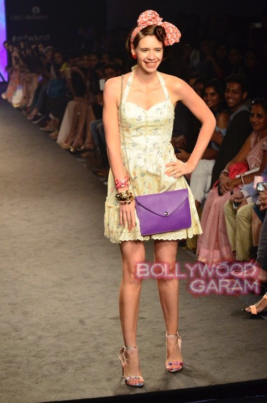 Kalki and Cyrus Broacha walk the ramp -12