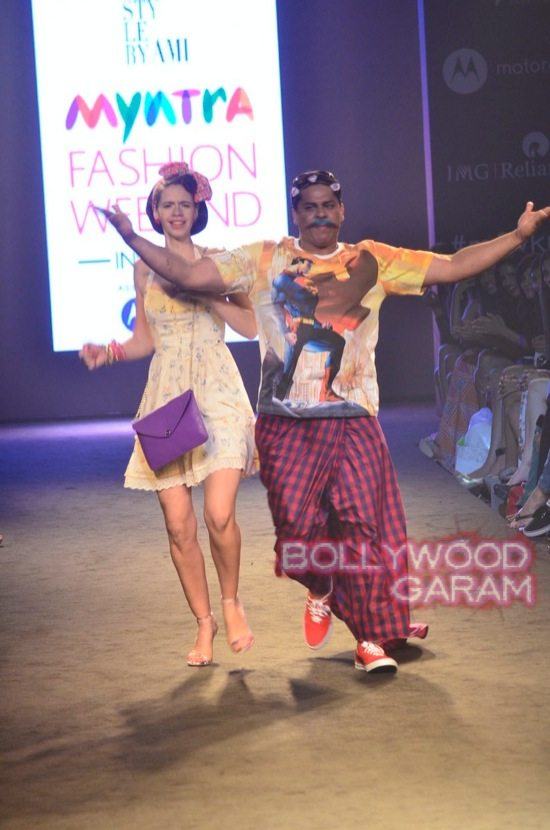 Kalki and Cyrus Broacha walk the ramp -15