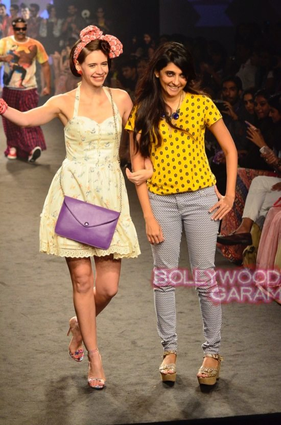 Kalki and Cyrus Broacha walk the ramp -21