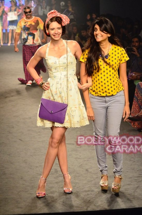 Kalki and Cyrus Broacha walk the ramp -22