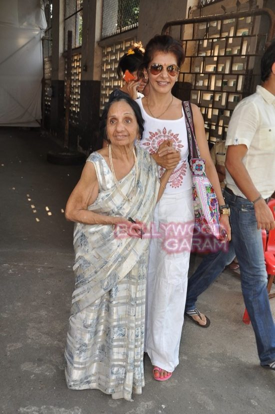 Maharashtra assembely elections_celebs who voted-13