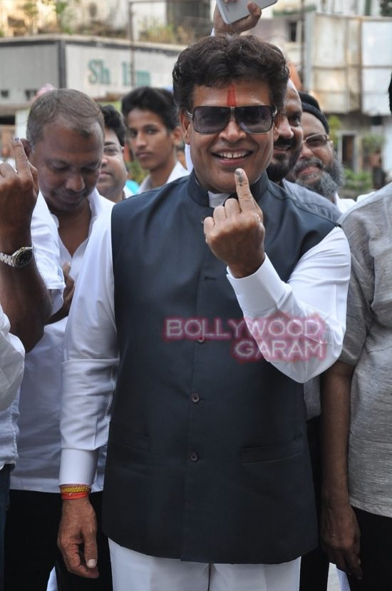 Maharashtra assembely elections_celebs who voted-14