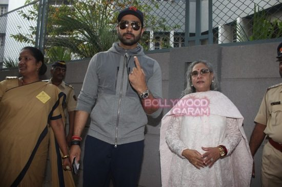 Maharashtra assembely elections_celebs who voted-26